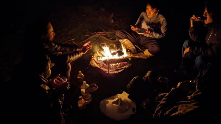 沖縄・久米島での新発見! 放牧地を「貸し切り焚き火サイト」に
